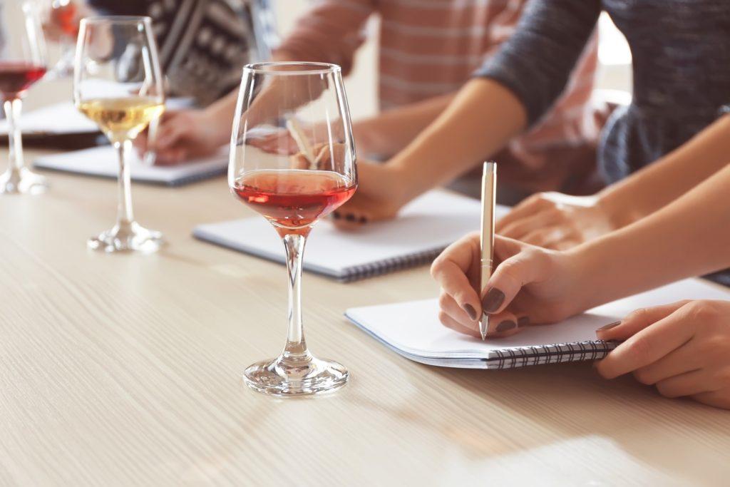 Cabernet Sauvignon, Merlot, Tempranillo, Airén, Chardonnay, Syrah, Grenache Noir, Sauvignon Blanc, Pinot Noir, Trebbiano Toscano