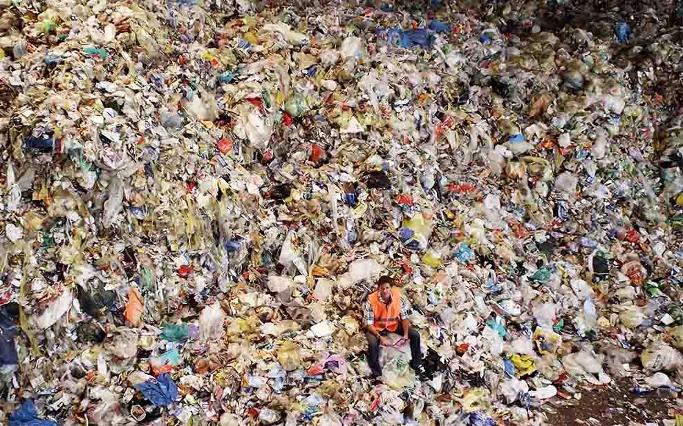 craig-leeson-plastic-problem