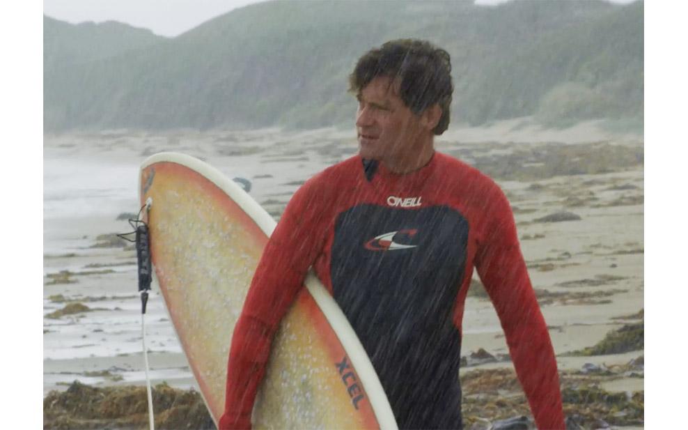 craig-leeson-surfing